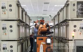 NMT-ZN-606 機械手(shou)自(zi)動抓取,新能源(yuan)汽車驅(qu)動馬達自(zi)動對(dui)接(jie)烘烤線(上海精(jing)進電動)